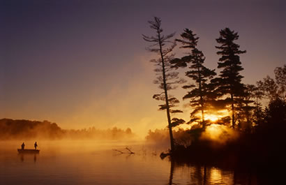 picture of a lake with sunrise